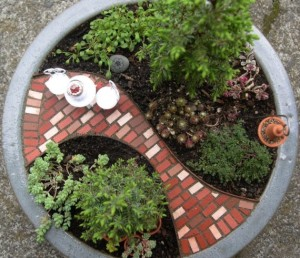 Mini garden patio kit image