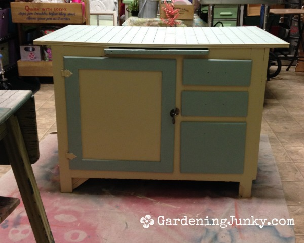DIY project painted drawers